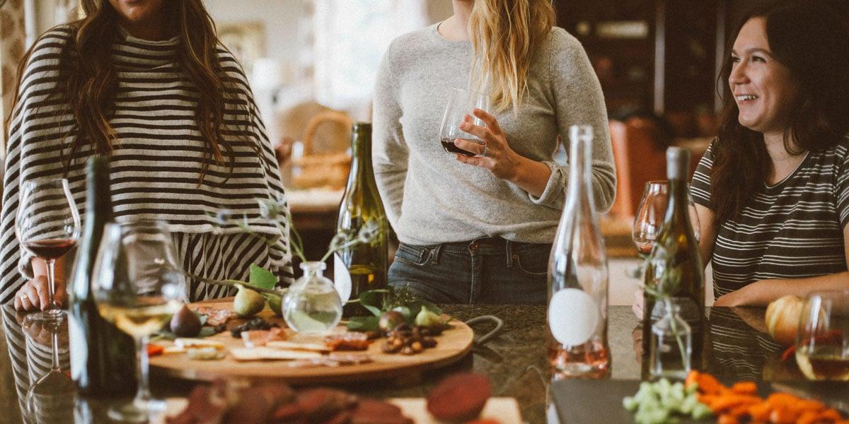 restaurant blog friends